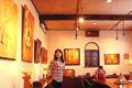 木彫作家・宮島勝氏の、来館者とのふれあいのある場所を持ちたいとの思いから生まれた工芸館です。宮島氏の作品はもちろん、地元の木彫工芸家の作品も展示されています。