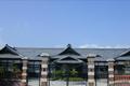 松本市歴史の里は、信州の近代をテーマに基調な建物を集めた、たてもの野外博物館です。6,400平方メートルの敷地のなかに、江戸時代後期から昭和にかけて建てられた5棟の歴史的建造物が立ち並んでいます。