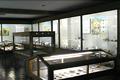 明治2年に廃された番所を復元した資料館です。黒々とした石置き長板葺きの屋根が特徴的です。戦国時代から江戸時代にかけての関所関係の資料と、地元の土器、石器を展示しています。