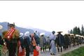 松本から白馬、小谷を経て日本海の糸魚川まで約120kmにおよぶ旧千国街道は別名「塩の道」と呼ばれています。県内の街道のほとんどが大名行列 や善光寺詣のために利用されたものであるのに対して、千国街道は人々の生活に密着した街道で、日本海側から魚や木綿、輪島漆器、そして山国信州の人間に とって何よりも大切な塩が運ばれました。白馬山麓には塩を運ぶ歩荷と呼ばれる人々の道中の無事を祈って建てられた石仏が今も多く残されています。毎年5月 には、白馬村、小谷村、大町市で「塩の道祭り」が行われ、旅姿で街道を練り歩きながら往時をしのんでいます。