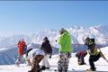 北アルプスの北端、白馬乗鞍岳の麓に広がる100%自然降雪のスノーパラダイス。ビギナーからエキスパートまで満足出来るコースバリエーションに 加え、全コース、スノーボード・スノースクート滑走可能です。混雑知らずのまさに白馬山麓スキーエリアの穴場的存在の当スキー場で心ゆくまで楽しめます。