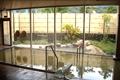 国道148号沿いにある露天風呂を完備した日帰り入浴施設「深山の湯」が併設された道の駅です。小谷杜氏によるオリジナルの地酒や名物の織り物「ぼろ織り」が人気です。レストランもあります。