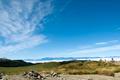 美ヶ原は、昔から知られる広大な高原の景勝地で、日本百名山にも選ばれています。付近に高い山がなく、360度の大パノラマが楽しめます。北・中 央・南の3つのアルプス、八ヶ岳、天気が良ければ遠くに富士山も見えます。空気が澄んでいるので、天体観測にも最適です。レンゲツツジ等の高山植物の宝庫 でもあります。美ヶ原高原を登るハイキングコースも数多くあります。